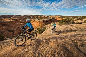 Rim Tours: Moab's Original Mountain Bike Outfitter :: All-Inclusive Guided Tours & Bikes. Half, Full-Day or Multi-Day: Slickrock Trail, Porcupine Rim, Whole Enchilada, Courthouse Loop, White Rim, Maze, Needles, Kokopelli Trail.