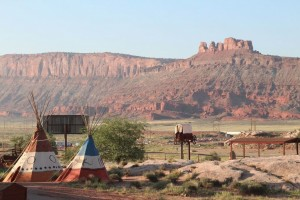 Archview RV Resort & Campground : 35 acre resort alongside Arches National Park. RV & tent sites, cabins & stylish cottages rentals. Pool/splash pad, general store, wifi, dog park, bathrooms/showers, & more!