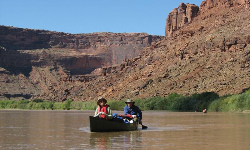 Canoeing through Labrynth Canyon along the Green River in Moab Utah
