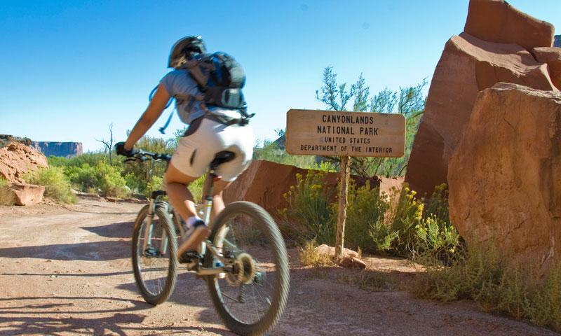 Biking along the White Rim Trail in Canyonlands National Park