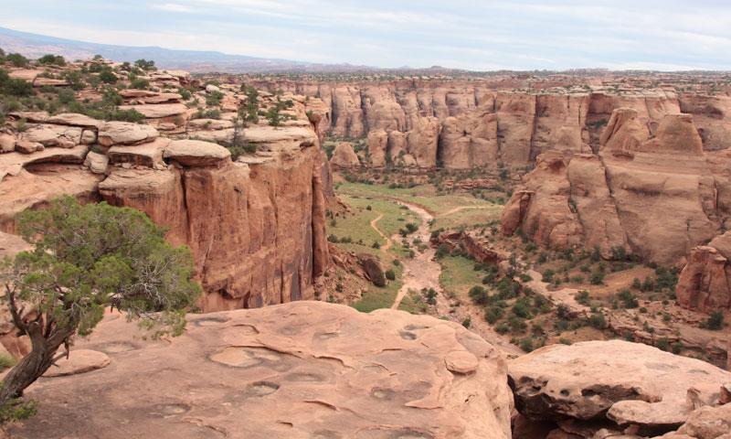 Gemini Bridges Jeep and Mountain Biking Trail near Moab
